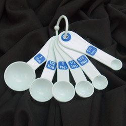 Measuring Spoons with Large Print-Set-6-White-Blue