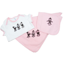 I Love Mommy Gift Set Pink - Bib, Blanket, Onesie for 12 to 18 Months