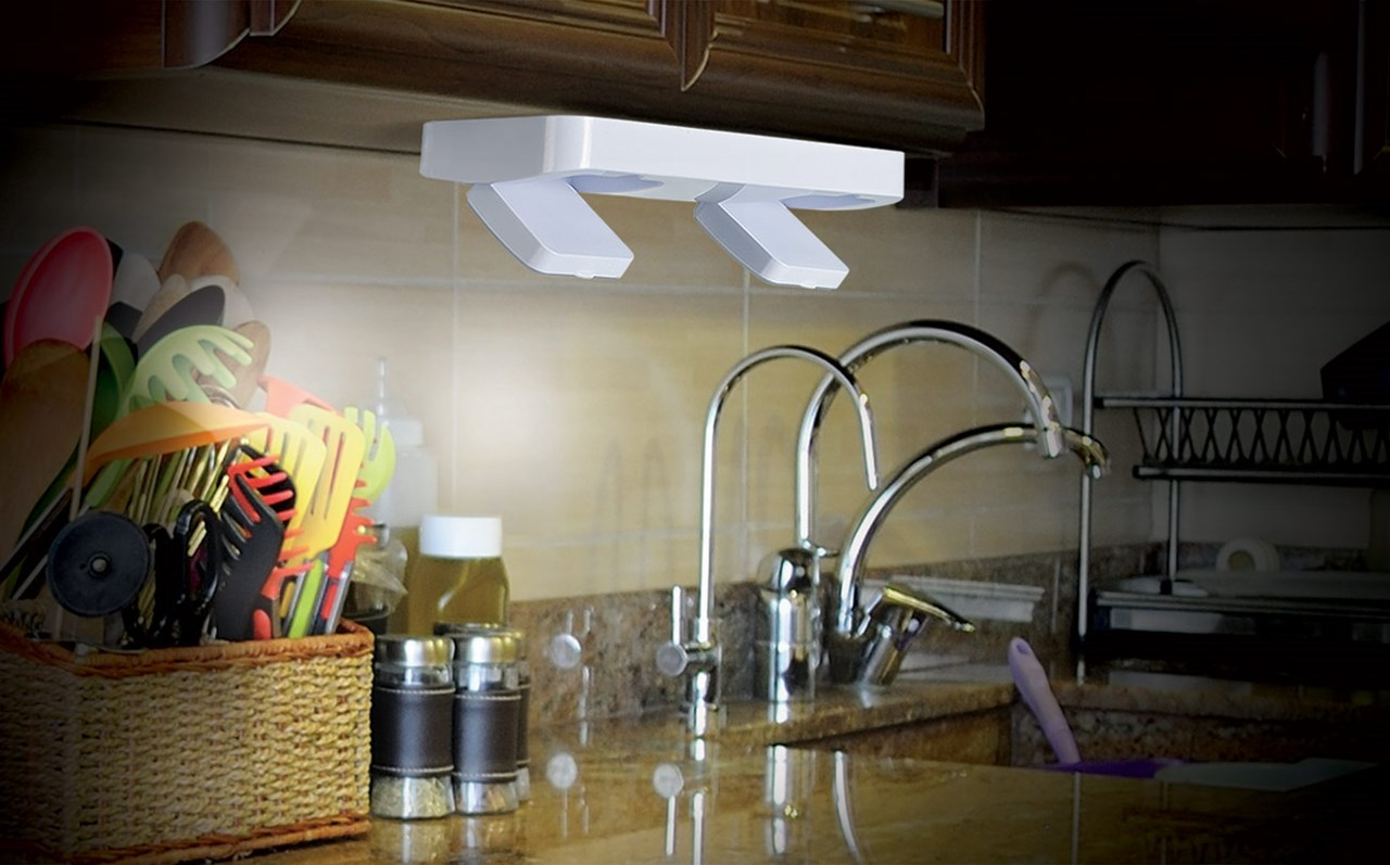 Ideaworks Super Bright Under Cabinet Light with Remote Control
